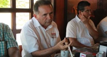 Pech Várguez arremete contra su ex jefe Félix González