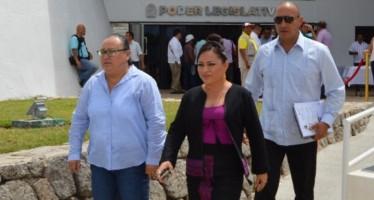 Pide Perla juicio contra Fredy Marrufo en el Congreso local